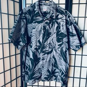 Quick Silver black gray leaves print button up XL